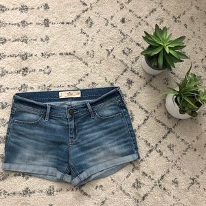 "Hollister Midi Short (4"" seam)"